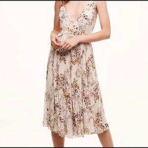Wilfred beaune dress from Aritzia size XS / midi